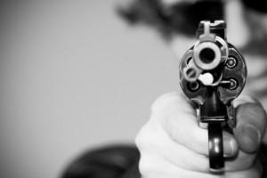 pistol mot huvudet
